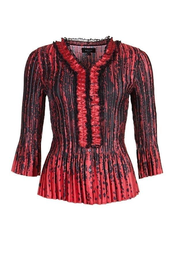 Blus Willowia Plisserad blus i sidenmjuk, glansig kvalitet som är lätt att sköta. Vackert höstprint med ett droppliknande mönster i rött och svart.